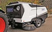 Wasa 300+ järelveetav tänavapuhastusmasin
